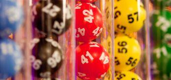 Krankenschwester in Corona-Station knackt Lotto-Jackpot mit einer Million US-Dollar