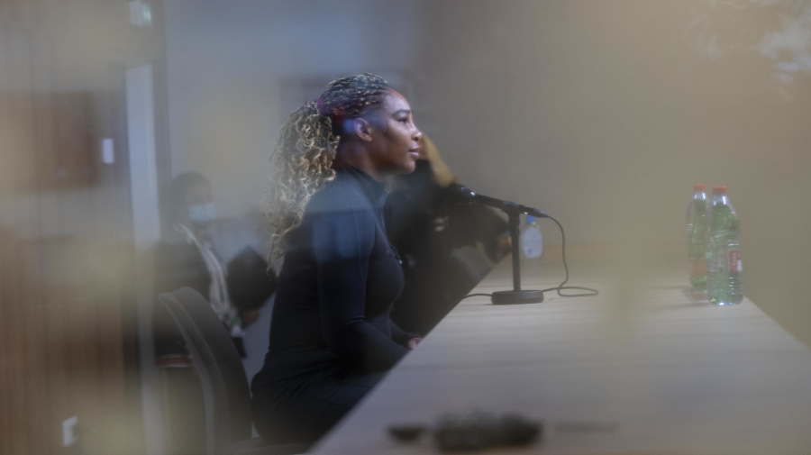 Serena withdraws from French Open with injury