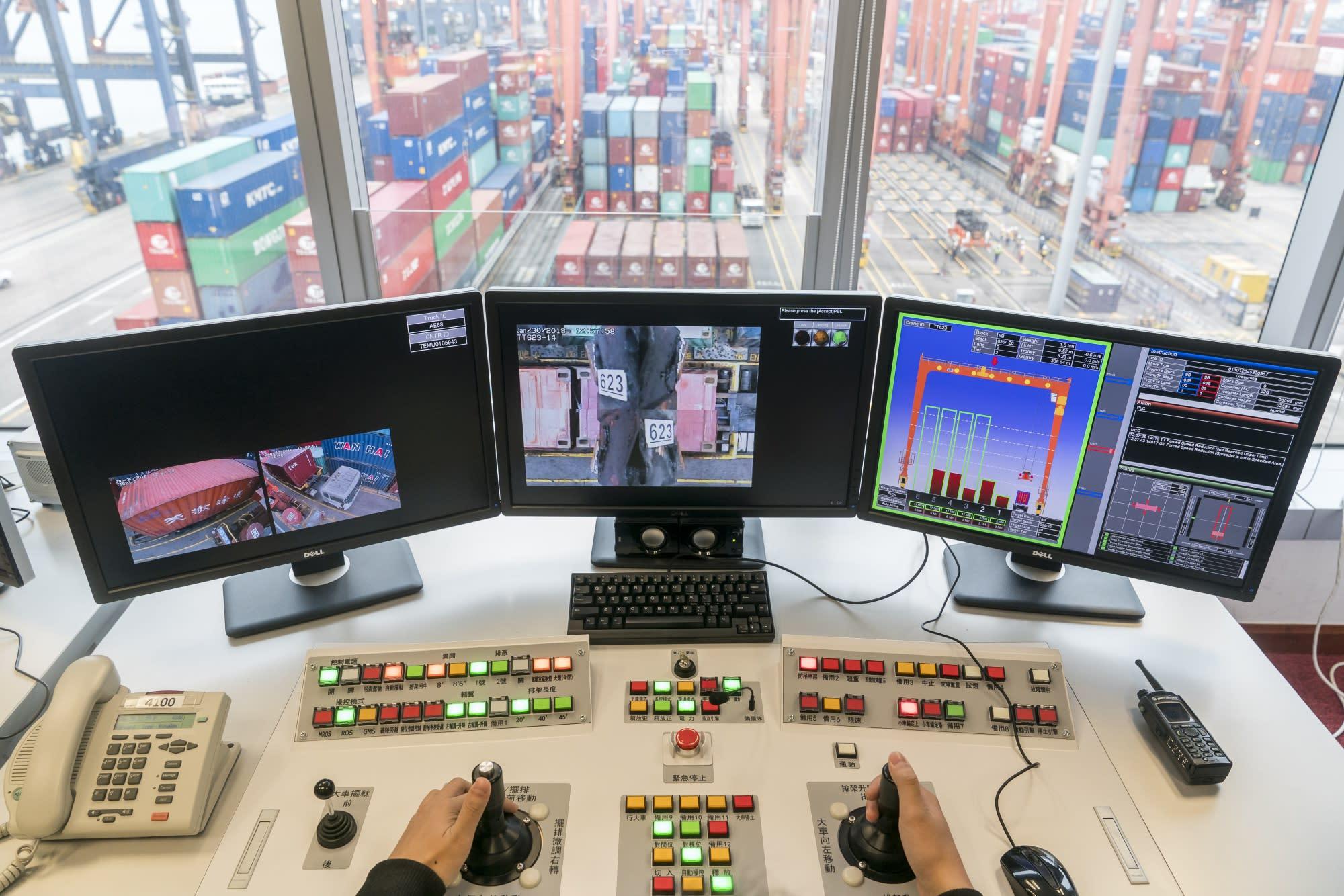 China Exporters Reel as U.S. Tariffs Imperil World's Supply Hub