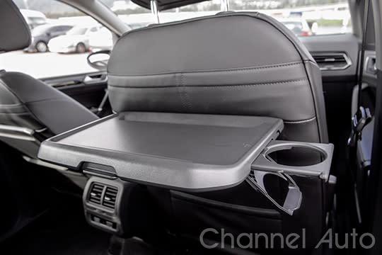配備車頂架、餐桌與第三排座椅的熱血(外觀)MPV靚車,市面上還真少有。