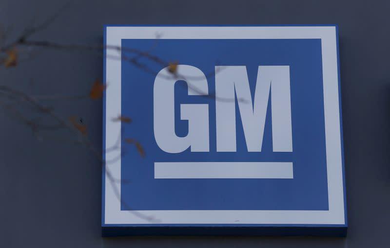 GM, doubling down on big SUVs, unveils longer Chevy Tahoe, Suburban