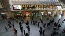 King's Cross delays: Commuters warned to avoid London station after major signal failure