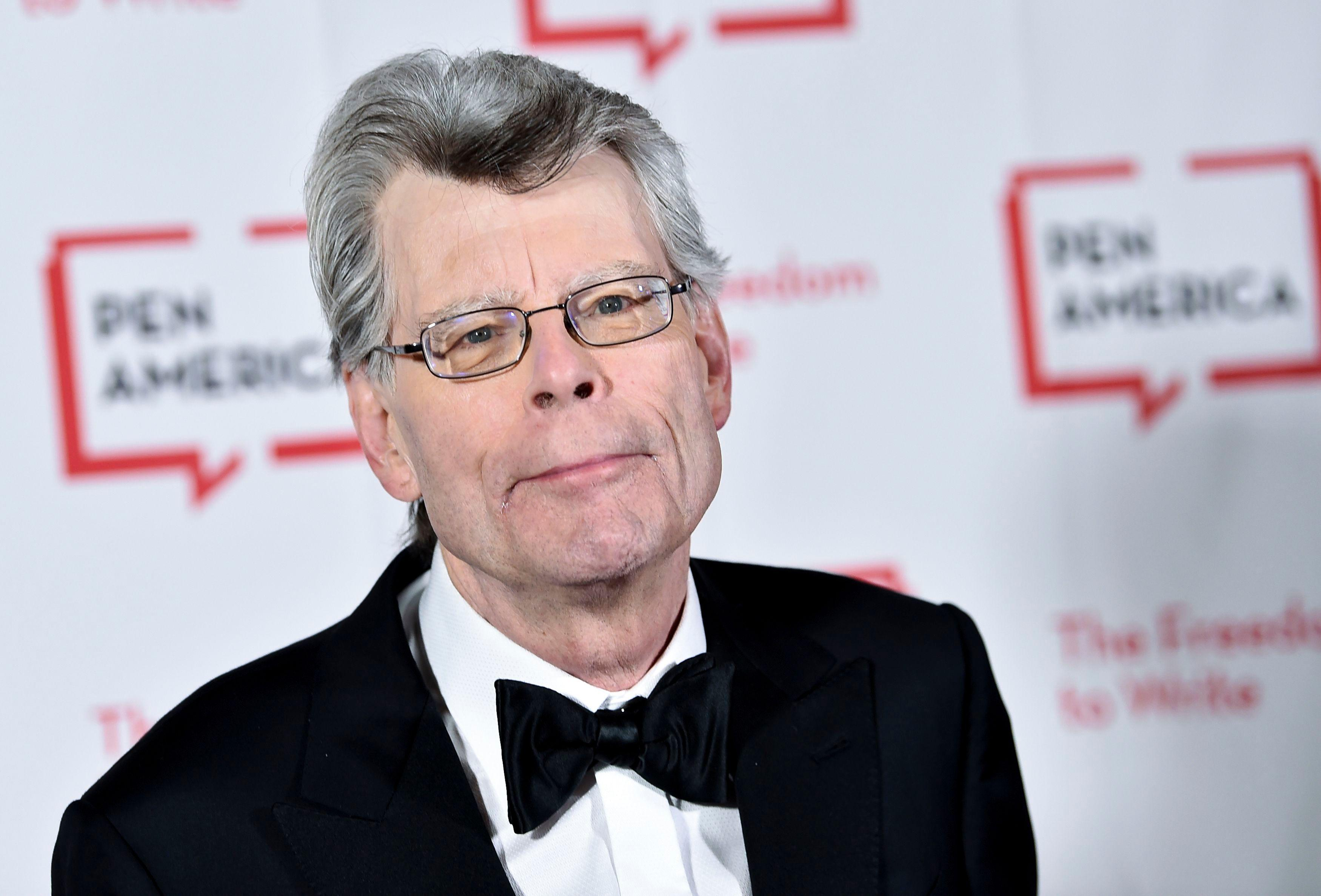Stephen King Helpfully Posts 'The Stand' Chapter That Explains Pandemic Spread