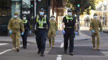 Melbourne comienza un toque de queda mientras el mundo supera los 18 millones de casos de coronavirus