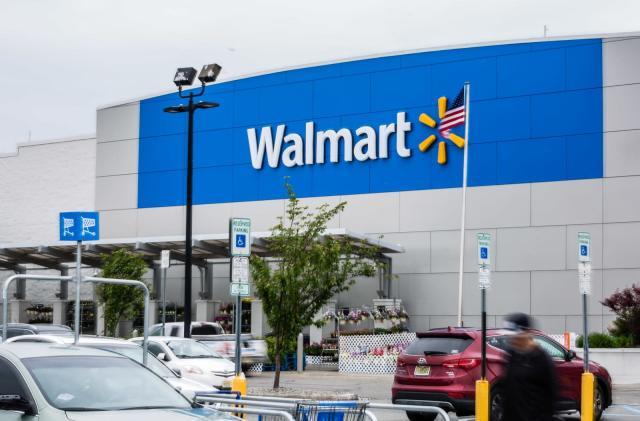 Walmart tweaks employee-based delivery tests after setbacks