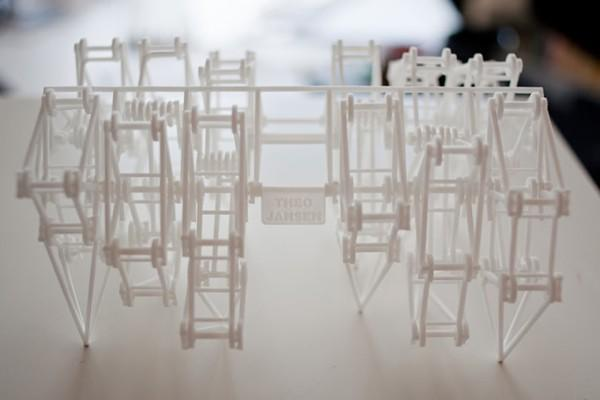 Strandbeests birthed from 3D printer pop out ready to walk (video)