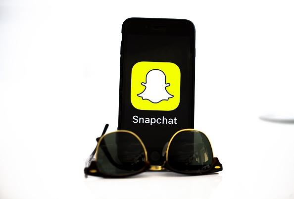 eb2b0e217785 Shop on Amazon by taking pictures through Snapchat  Video