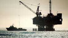 Los precios del petróleo registran subidas históricas tras los ataques a plantas sauditas