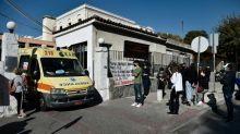 Militär in Thessaloniki errichtet Zelte zur Versorgung von Corona-Patienten