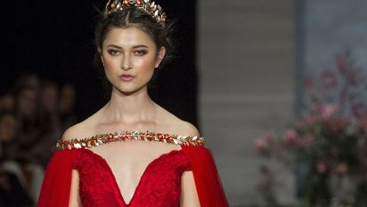 Over-the-top red dress sets record