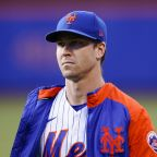 DeGrom pulled with shoulder issue from Mets' 6-3 win vs Cubs