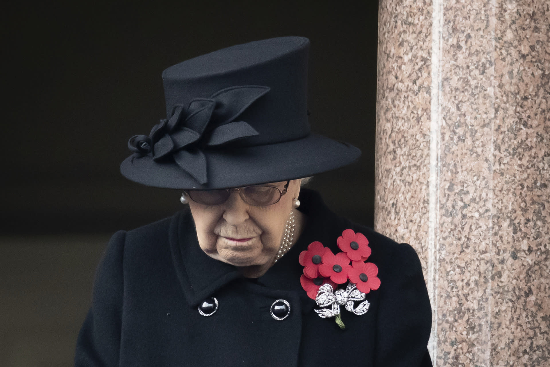 British queen offers condolences to Eta storm victims