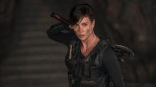 Charlize Theron nos deja atónitos viendo su entrenamiento con el hacha de 'La vieja guardia'