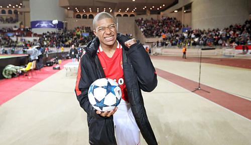 """Ligue 1: Berater: """"Vier Klubs, die sich Mbappe leisten können"""""""