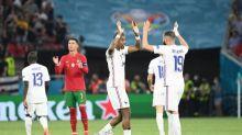 Foot - Euro - La France finit première du groupe après un match fou contre le Portugal et affrontera la Suisse en 8es