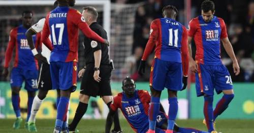 Foot - ANG - Mamadou Sakho (Crystal Palace) est sorti sur civière face à Tottenham