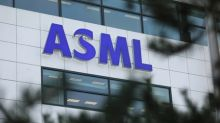 ASML tops profit forecast and sees surge in bookings