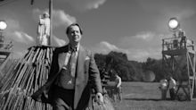 Gary Oldman as Citizen Kane screenwriter Herman J. Mankiewicz in Mank trailer