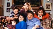 """Here's Your First Look at the """"Roseanne"""" Revival"""