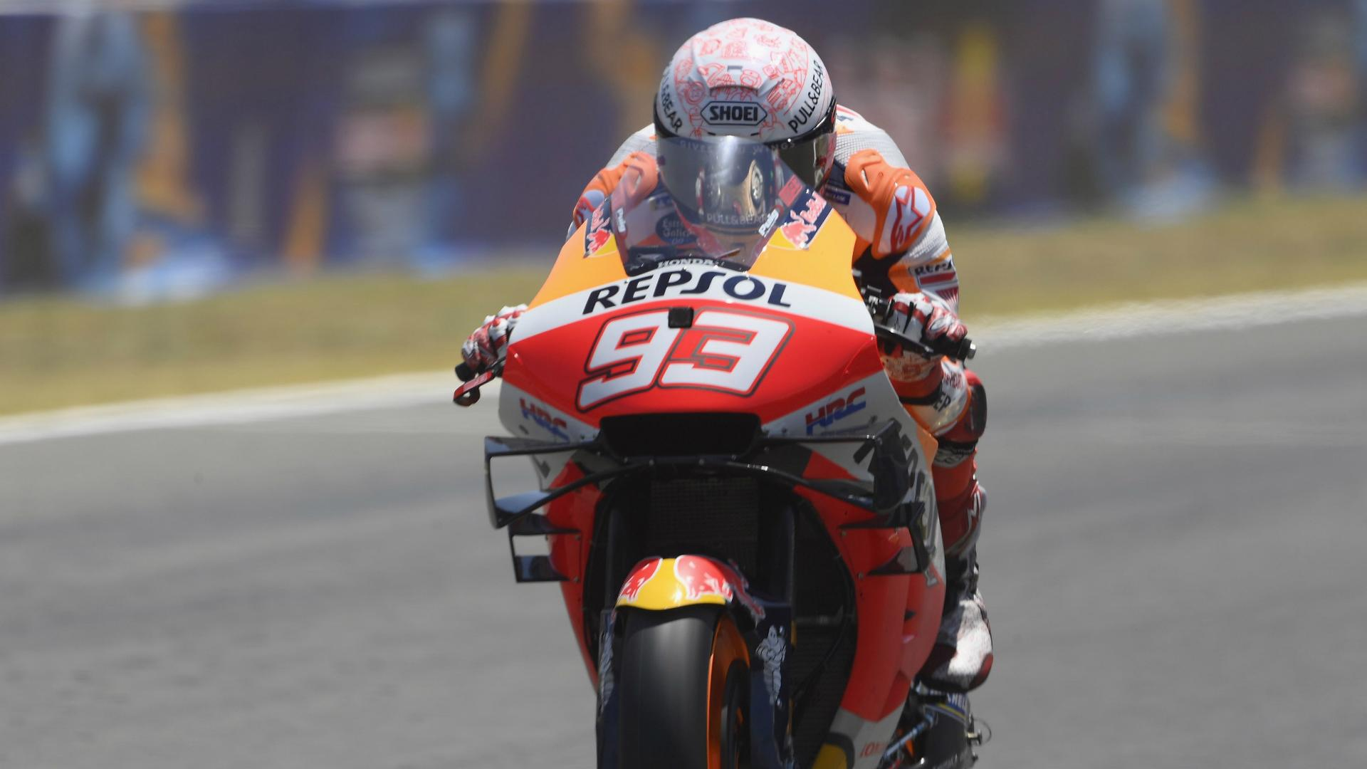 Marquez broke arm plate opening window at home