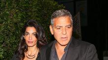 Amal Clooney presume de sus tremendas abdominales