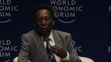 Pelé habla de fútbol en Foro Económico Mundial de América Latina