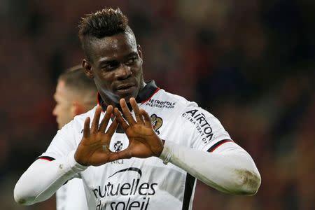Balotelli comemora gol do Nice