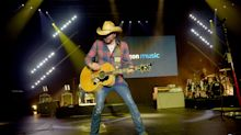 Country Star Jason Aldean Wades Into Gun Control Debate, Says Weapons Are 'Too Easy to Get'