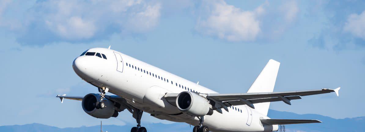 Bearish Analysts Just Cut Their Jet2 Plc Lon Jet2 Revenue And Eps Estimates