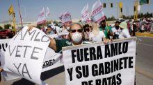 """""""El ejemplo no basta"""": lucha anticorrupción de presidente mexicano tropieza con escándalos"""