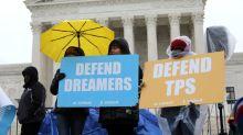 """Trump dice que firmará un decreto migratorio que abrirá el camino a la ciudadanía para los """"Dreamers"""""""