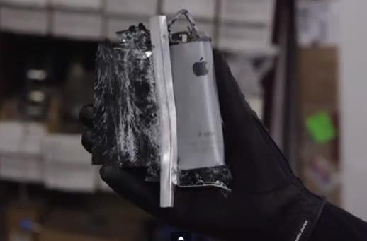 YouTube Find: A crushing look at the iPhone 5s