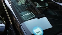 New York City votes to cap Uber, Lyft vehicle licenses