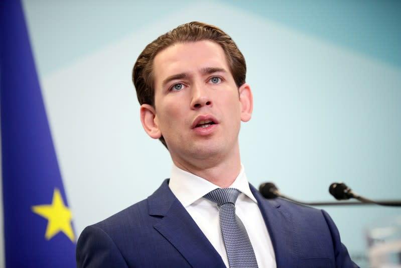 Austrian conservative leader Kurz backs coalition talks