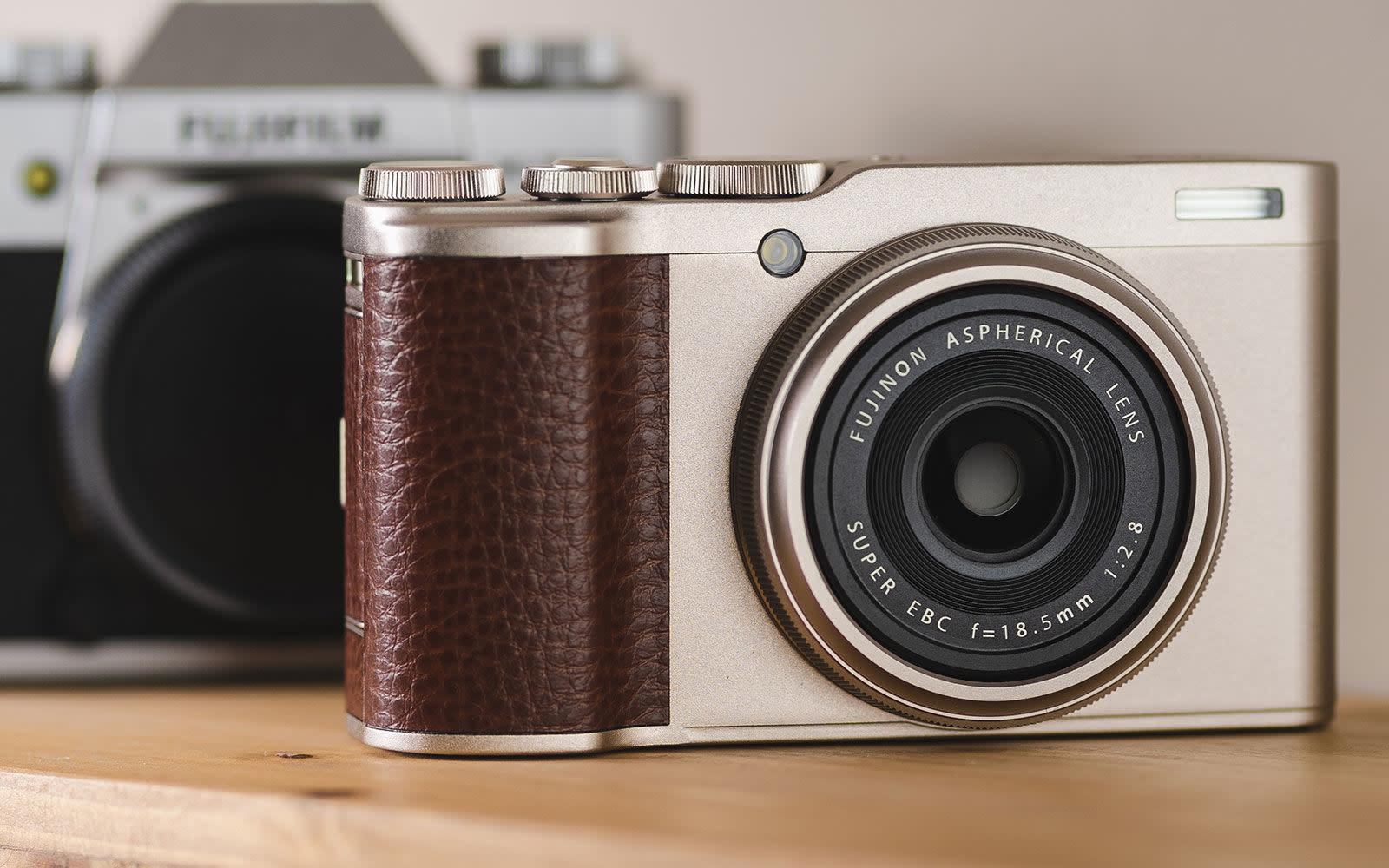 Fujifilm XF10 compact camera