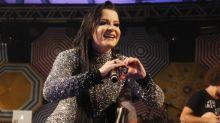 """Maiara, da dupla com Maraísa, homenageia namorado com tattoo: """"O amor é igual a um passarinho"""""""