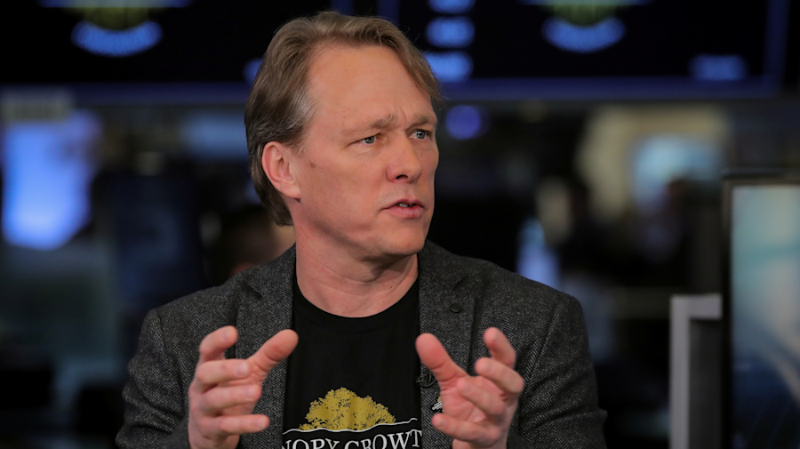 Bruce Linton calls for female leadership at Canopy Growth