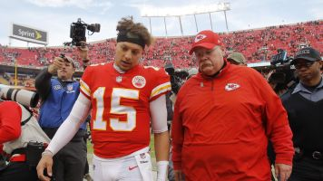 Chiefs' Mahomes dealing with tragedy