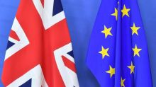 Brexit : les négociateurs britanniques et européens ont conclu un projet d'accord qui sera examiné mercredi par le gouvernement de Londres