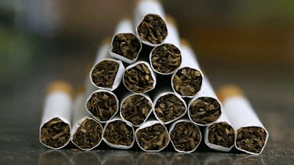 Raise age to buy cigarettes in Ontario to 21, says report