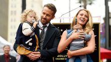 Las españolas eligen a Ryan Reynolds como el papá más sexy (pero quieren a Mario Casas como padre de sus hijos)