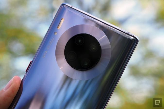 Despite bans in the US and its own dire predictions, Hauwei shipped more smartphones last quarter than any other company, according to research firm Canalys.