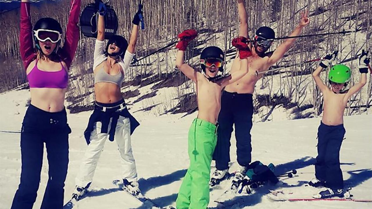 70c592c0dc Kate Hudson Shows Off Insane Abs While Skiing in Her Sports Bra -- Check Out  the Pics!