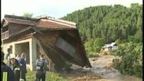 Raw: Floodwaters Ravage Villages in Romania