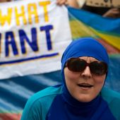 UN hails suspension of France's burkini ban, slams 'stigmatisation'