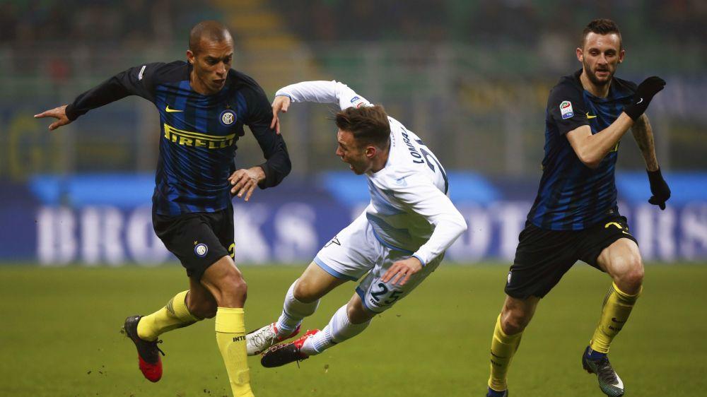 Miranda out per Inter-Napoli: risentimento muscolare al retto anteriore