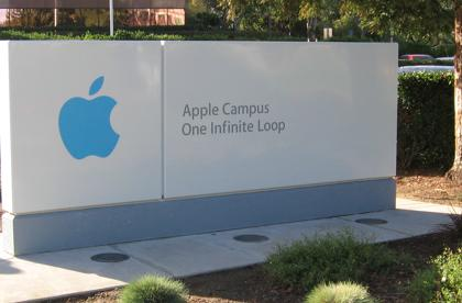 Incoming, outgoing Apple employees