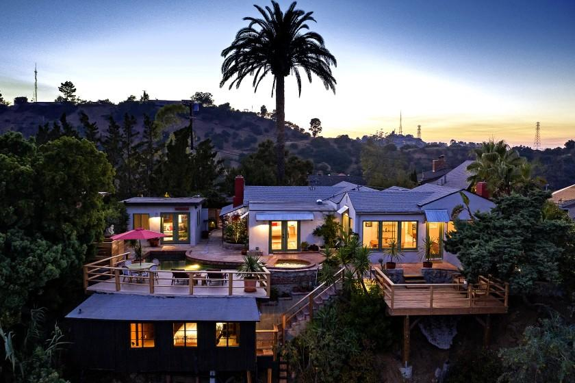James Cameron seeks a titanic haul for Malibu compound