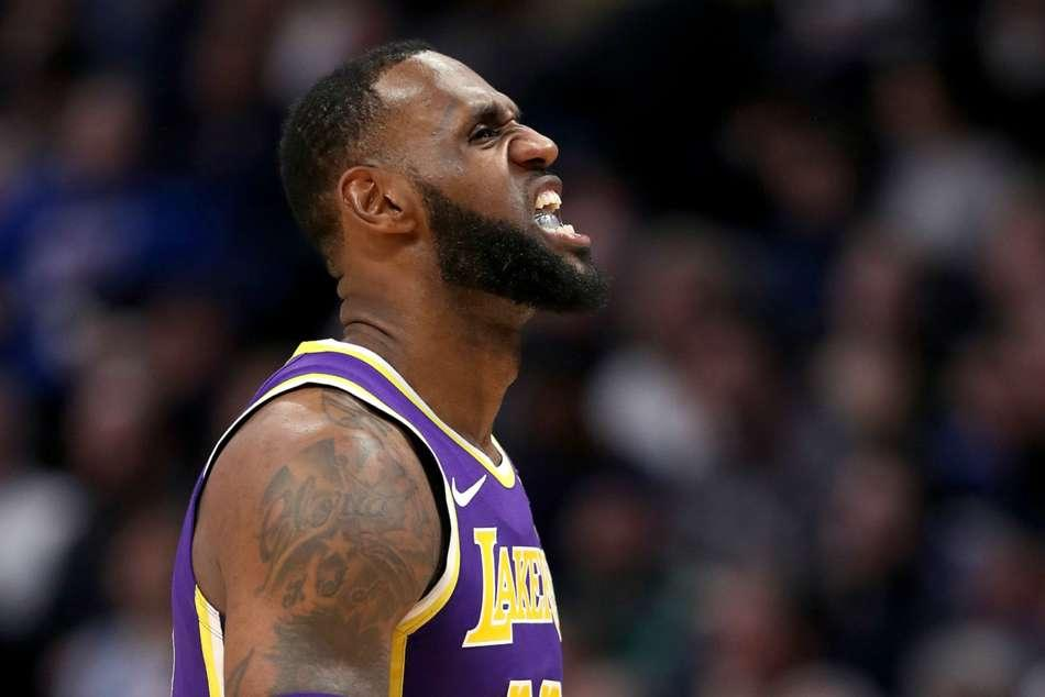 18803b4d1f1 NBA  LeBron flirts with triple-double as Lakers down Grizzlies