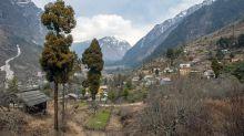 El pueblo del Himalaya que confisca todos los plásticos de un solo uso y se ha convertido en un ejemplo ambiental